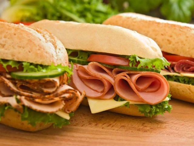 Un burger à partir d'ingrédients bio